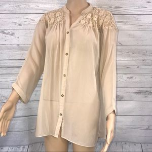 Limelight beige sheer and lace hi-lo button tunic